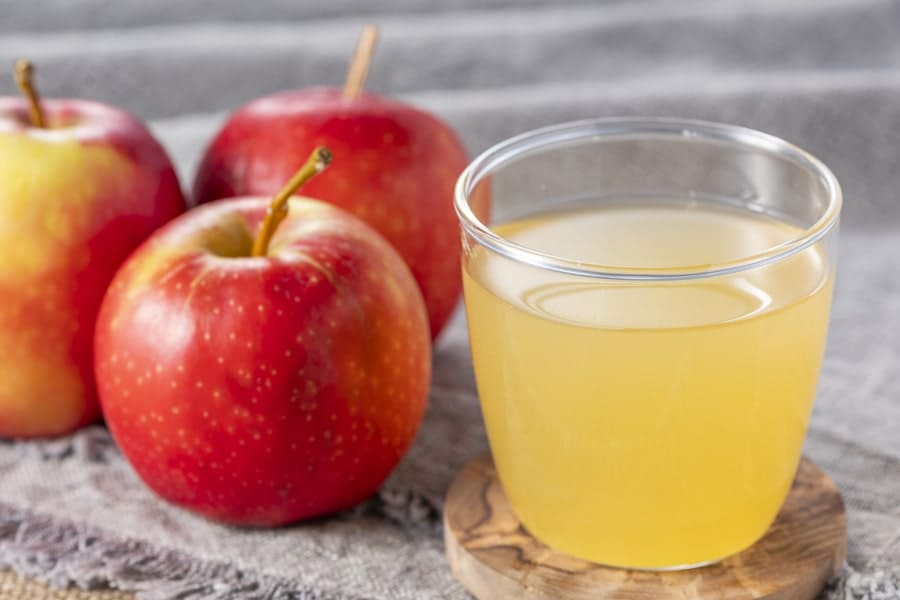 青森県津軽産の美味しいりんごジュース